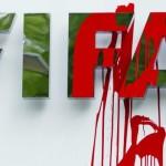 """القبض على 6 من مسؤولي إتحاد الفيفا لتورطهم في قضايا """"فساد"""" والشفافية الدولية تطالب بلاتر بالتنحي وإجراء انتخابات ذات مصداقية"""